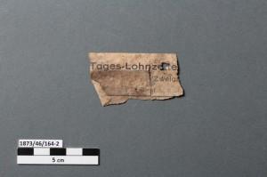 Fetzen eines Lohnzettels (Photo Nr.1873_46_164-2_V). (c) Jessica Meyer/Landesdenkmalamt Berlin