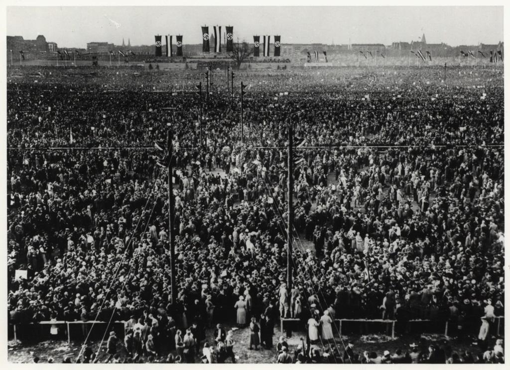 1. Mai 1933; Kundgebung auf dem Tempelhofer Feld
